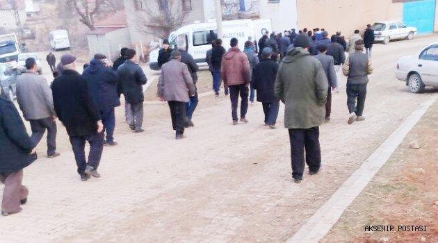 Antalya'da aldattığı kocası tarafından öldürülen kadın Bolvadin'de  toprağa verildi