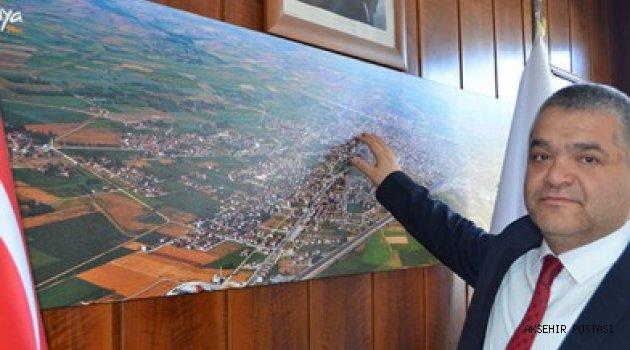 Büyükşehir'den Ilgın'a 6 yeni halı saha