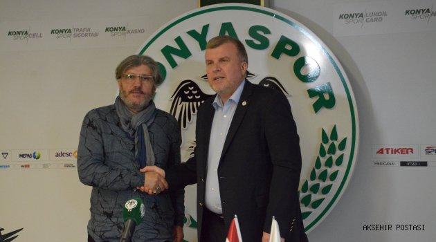 Mustafa Reşit Akçay Konyaspor'da