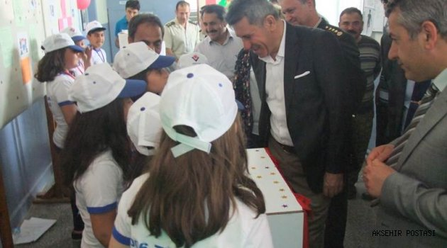 Yazla Şehit Astsubay İbrahim Geçer Ortaokulu TÜBİTAK Bilim Fuarı Açıldı