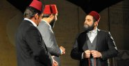 'ARZ-I VEDA MEHMET AKİF ERSOY' OYUNUNA YOĞUN İLGİ
