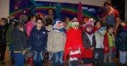 Yunak Belediyesinden Minik Öğrencilere Tiyatro Keyfi