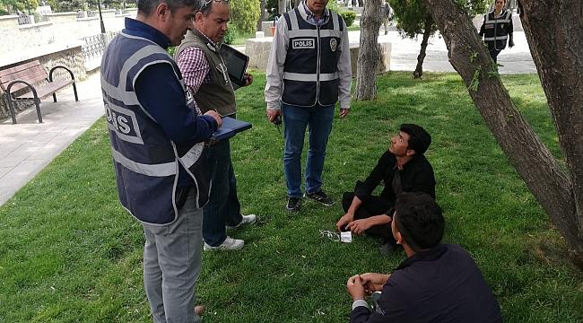 POLİS HUZUR UYGULAMARINA DEVAM EDİYOR