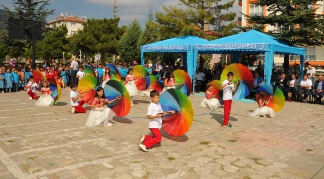 Akşehir'de 20 bin ÖĞRENCİ İÇİN DERS ZİLİ ÇALDI