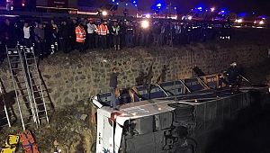 Otobüs su kanalına devrildi: 8 ölü, 28 yaralı