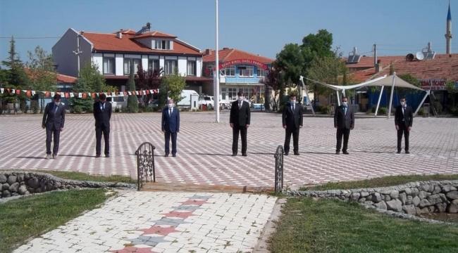 TUZLUKÇU'DA 19 MAYIS GENÇLİK HAFTASI KORONAVİRÜS ÖNLEMLERİYLE KUTLANDI