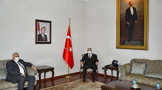 BELEDİYE BAŞKANLARI VALİ ÖZKAN'I ZİYARET ETTİ