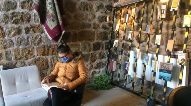 KERVANSARAYDA 'ASKIDA KİTAPLAR' OKUYUCUSUYLA BULUŞUYOR