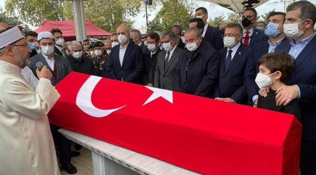 MİLLİ SİHA'LARIN ÖNCÜ İSMİ  ÖZDEMİR BAYRAKTAR SON YOLCULUĞUNA UĞURLANDI
