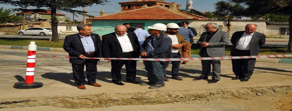 Akşehir'de doğalgaz çalışmaları ara vermeden devam ediyor