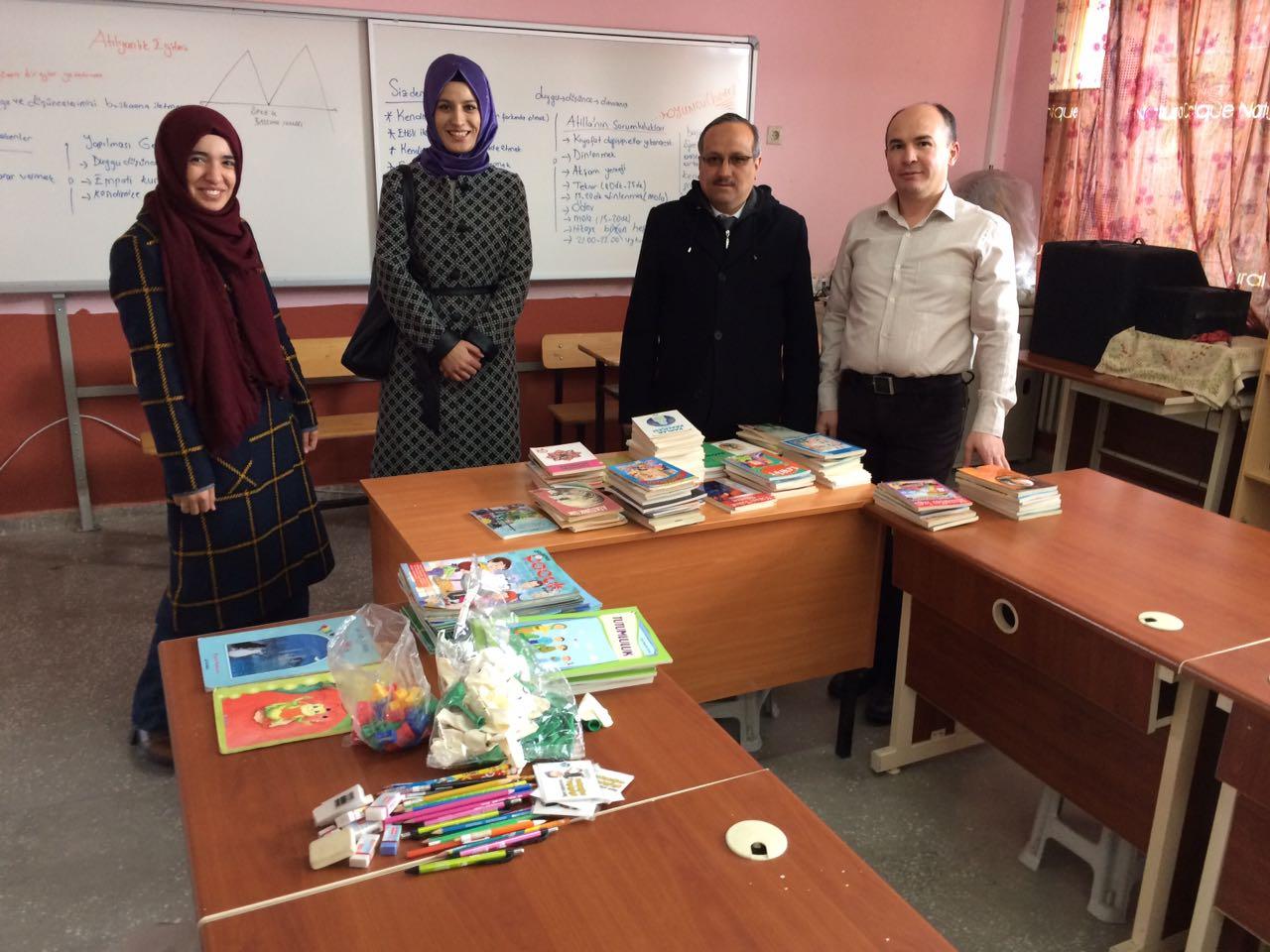 """Şehr-i Beyza Gençlik Derneği """"Bir Kitap da Senden Olsun"""" Kampanyasına Kulak Verdi"""